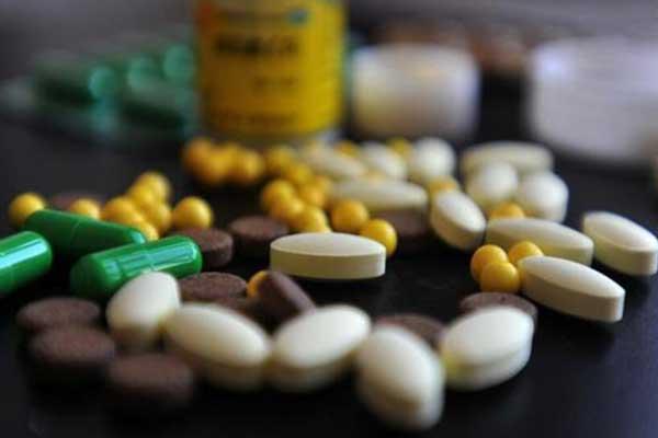 """国家组织药品集中采购和使用试点扩围 药价""""挤水分"""""""