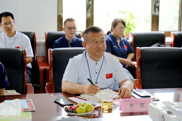 dafa大发手机版中药材公司种植总经理李军主持座谈会
